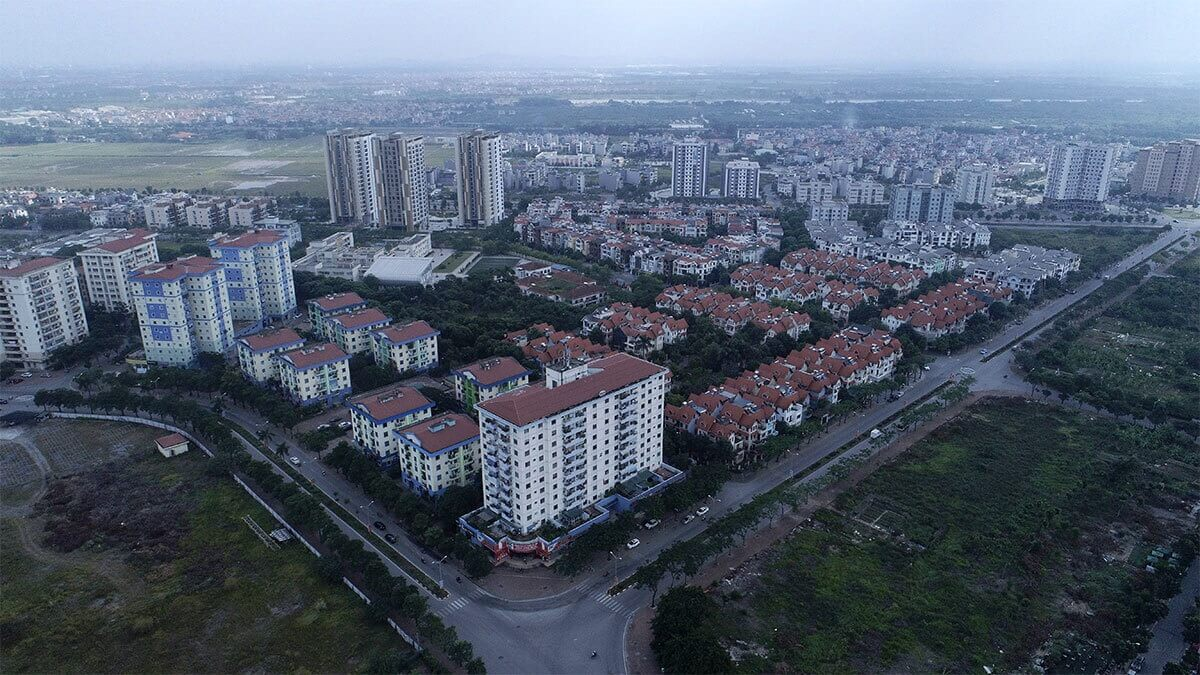 Long Biên có vị trí chiến lược khi nằm phía Đông Bắc thủ đô Hà Nội có diện tích lớn nhất lên đến 60km2.