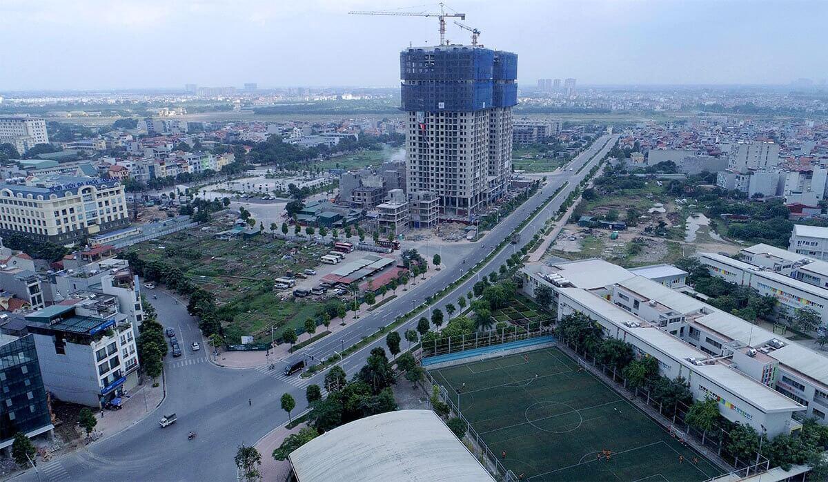 Đường Hồng Tiến đi từ Ngô Gia Tự đến Aeon Mall Long Biên dài 1,5km với vốn đầu tư gần 1.000 tỷ đồng.