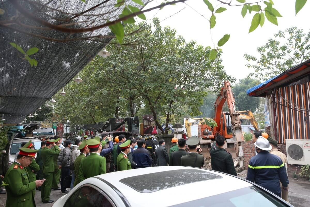 Cưỡng chế GPMb để triển khai chung cư Orchard Park Hà Nội.