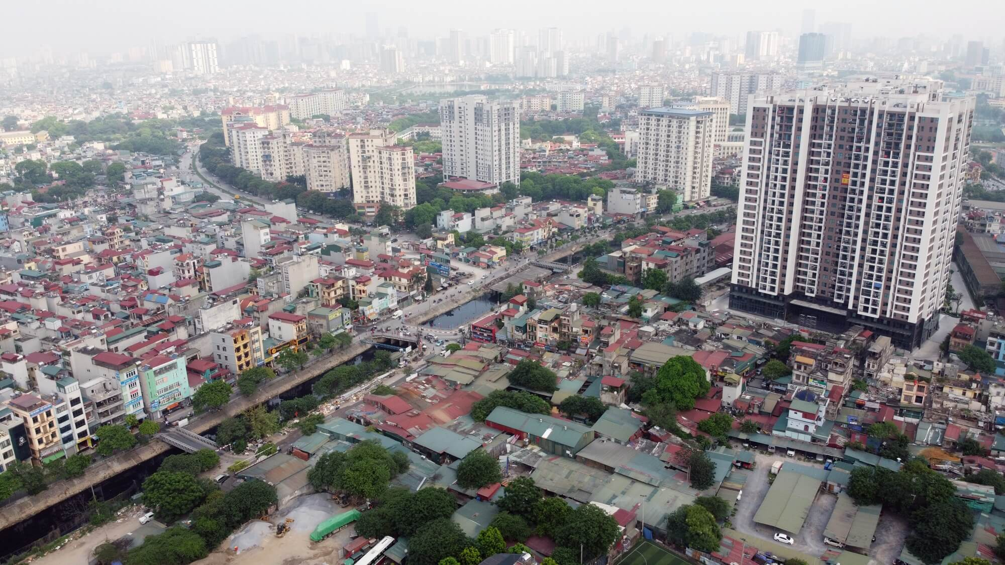 Có rất nhiều dự án chung cư xung quanh dự án TTTM Aeon Mall Hoàng Mai.