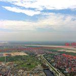 Cầu Hồng Hà sẽ giao cắt với đường Hồng Hà qua đoạn giữa thôn Bồng Lai và THCS Liên Hồng gần chùa Gia Lễ.