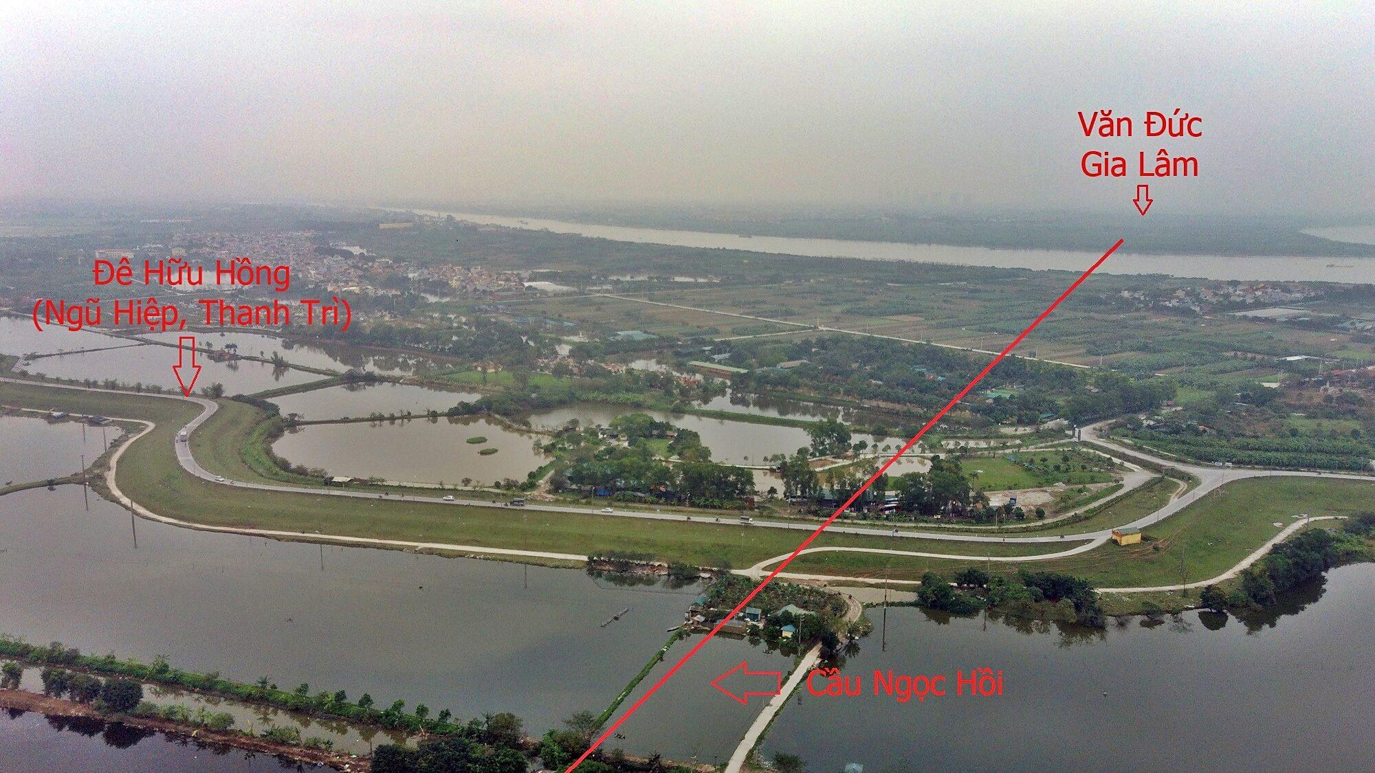 Từ đoạn cắt Pháp Vân - Cầu Giẽ lên đê sông Hồng chủ yếu là ao hồ, đồng ruộng.