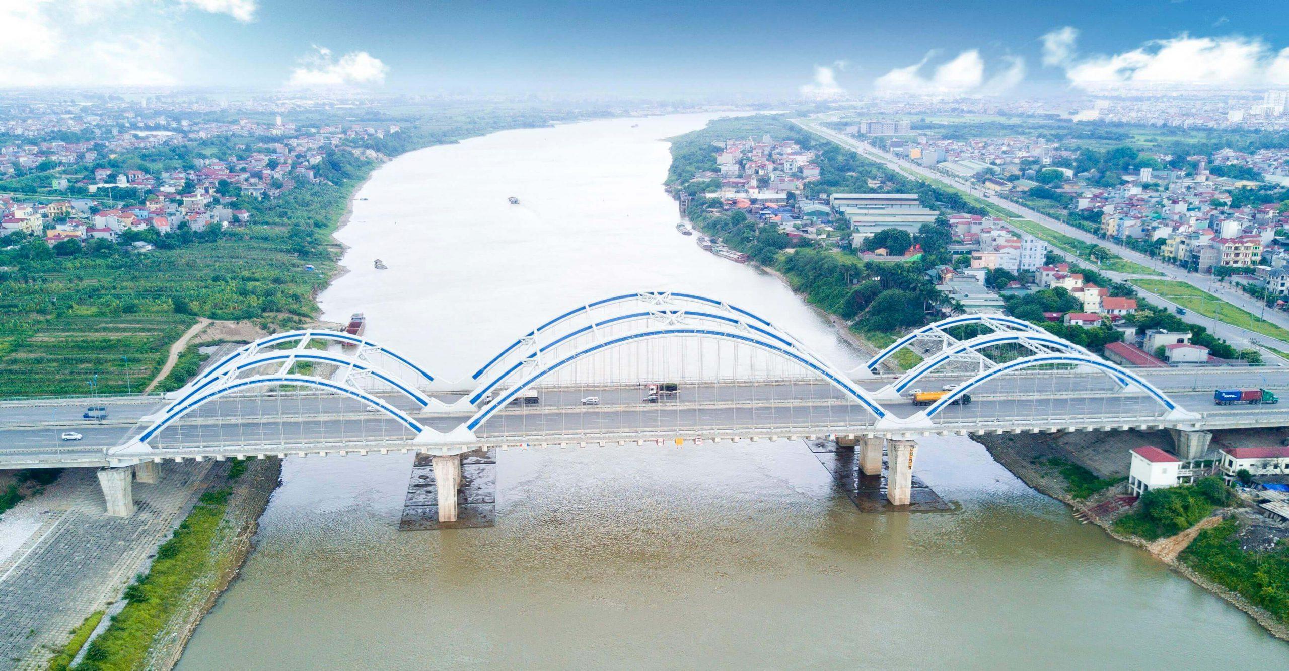 Cầu Đông Trù thi công với công nghệ hiện đại.